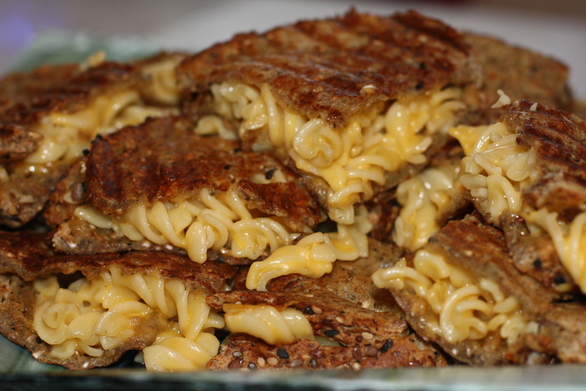 Grilled Macaroni And Cheese Sandwiches Recipes — Dishmaps